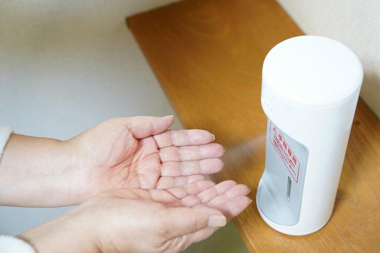 非接触型手指消毒器の設置